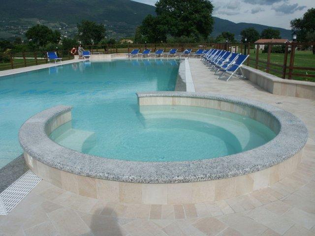phoca_thumb_l_ilcasale_piscina_13